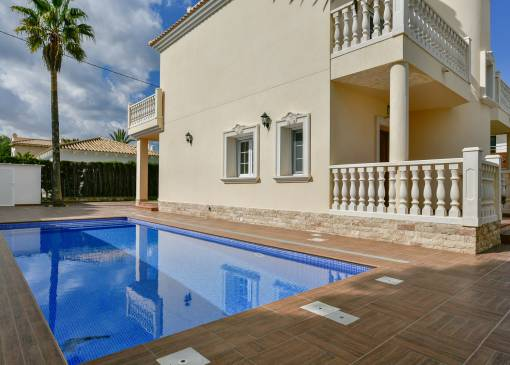 Villa / Semi detached - Resale - Orihuela Costa - Cabo roig - La Zenia